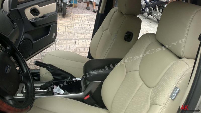 Bọc nệm ghế da xe Ford Escape