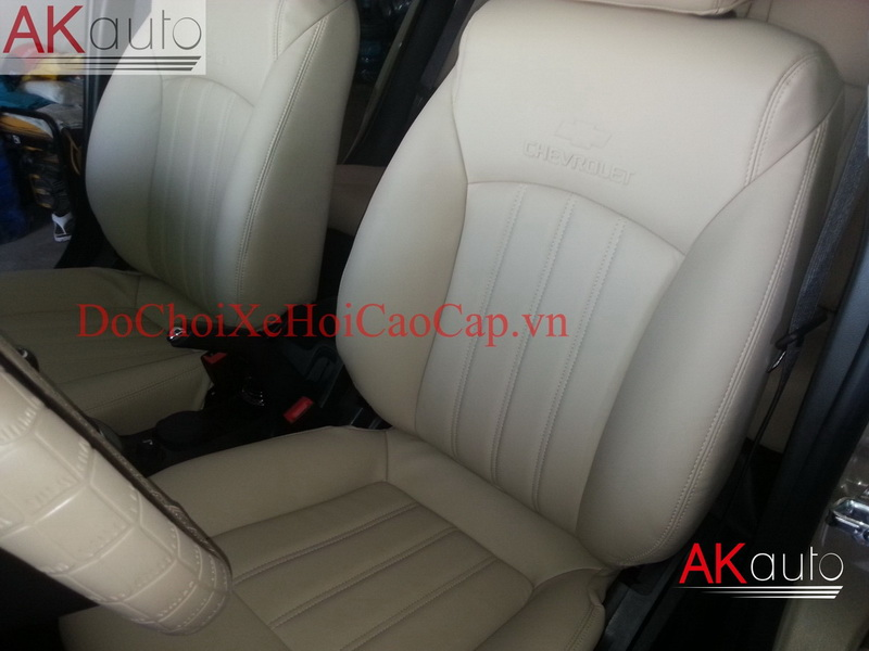 Bọc nệm ghế da xe ô tô chuyên nghiệp giá rẻ tại Sài Gòn