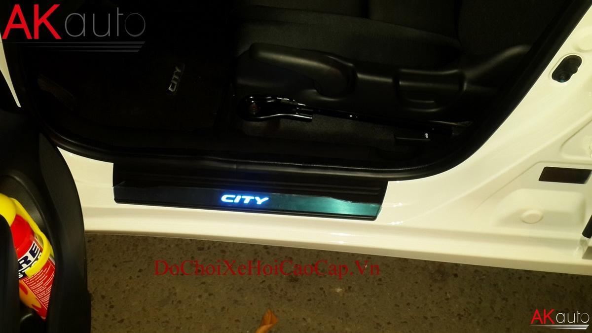 Nẹp Bước Chân Có Đèn Xe Honda City