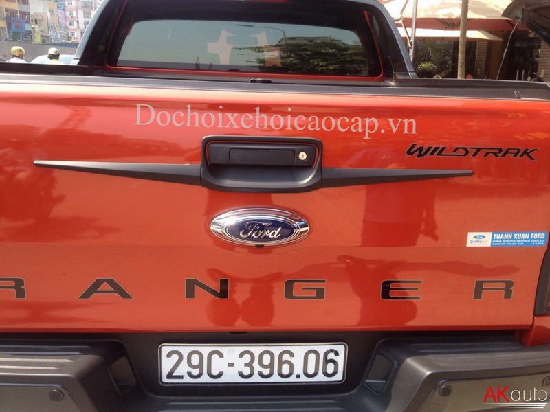 Ốp tay cốp sau xe Ford Ranger